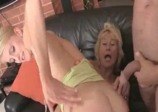 Mom/dad/daughter incest fucking threesome