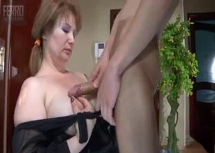 Bendy mommy banged in the doorway